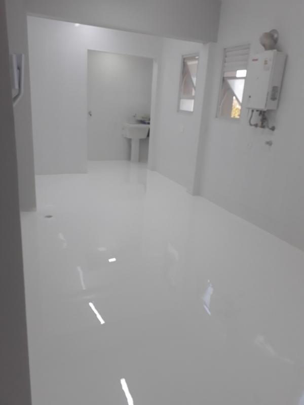 Revestimento Porcelanato Autonivelante Branco Belém - Revestimento Monolítico Autonivelante