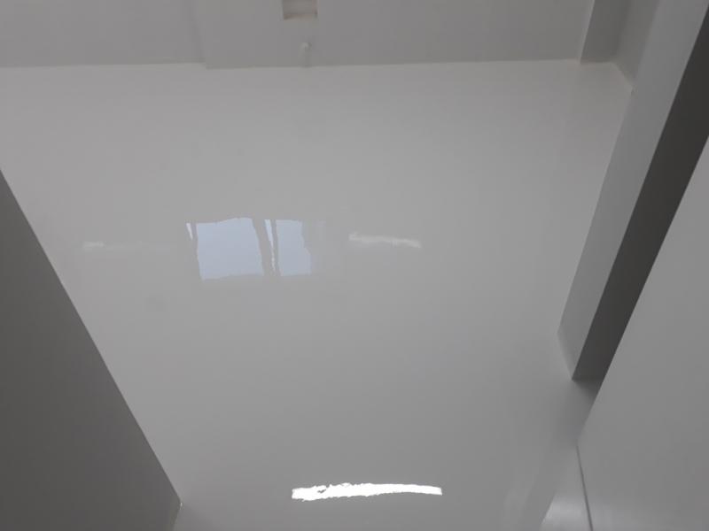Revestimento Porcelanato Autonivelante Cinza Médio Valor Tremembé - Revestimento Porcelanato Autonivelante Branco