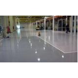 aplicação de resina epóxi em pisos