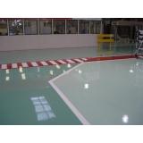 aplicação de resina epóxi para piso