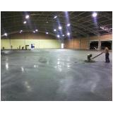 piso de concreto branco